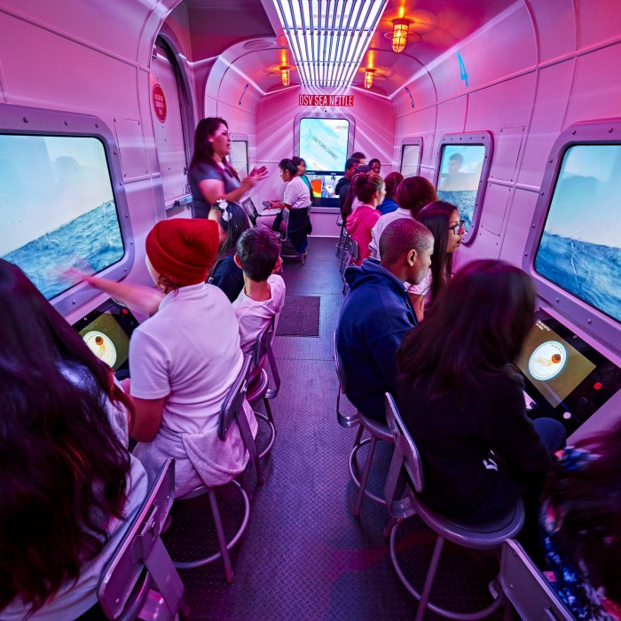 mobile museum ocean experience kids in bus NHM programs