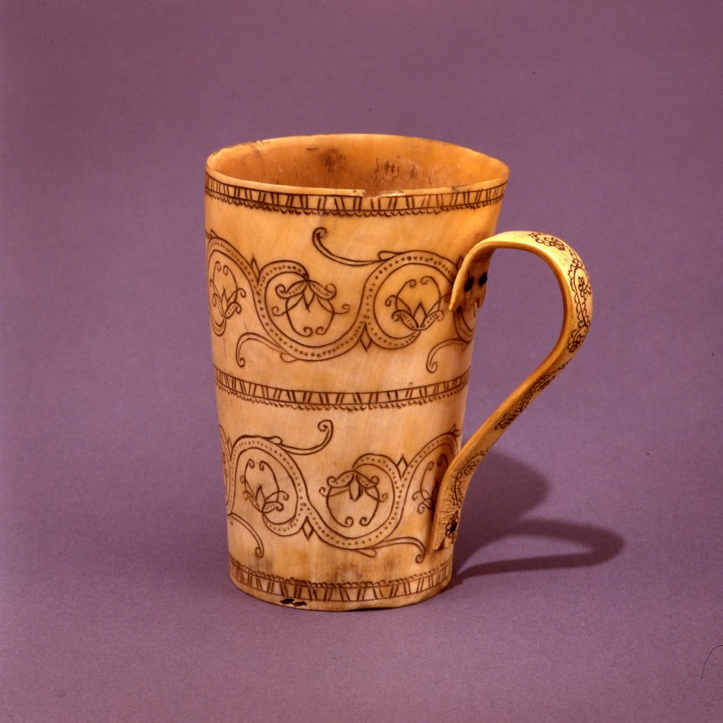 Ox Horn Cup with carved pattern