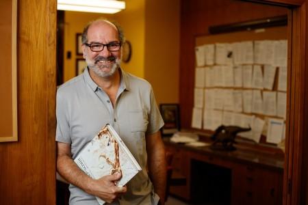 Dr. Luis Chiappe
